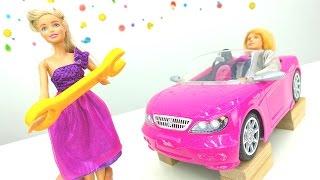 Игрушки для девочек от МАМЫ И ДОЧКИ! Видео БАРБИ. Барби и Кен ремонтируют розовую машину!