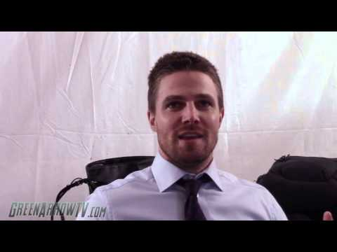 Arrow: Stephen Amell On Oliver's Run For Mayor, Olicity Ring, Crossovers & More