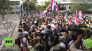 Thailand: Police surrender blockade for peaceful demonstration