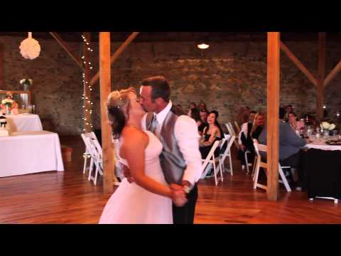 the-baileys'-first-dance-at-the-round-barn-on-clear-creek