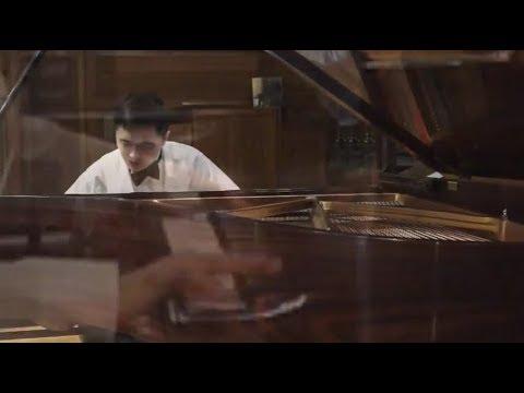 Sheng Cai plays Liszt's Un sospiro, Encore