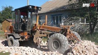 Строительство сельских дорог(Президент дал указание удвоить количество дорог и увеличить время их эксплуатации. В крупных городах идет..., 2014-09-08T13:32:10.000Z)