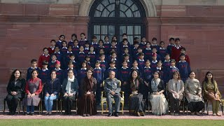 The President meets Students from The Shri Ram School, Vasant Vihar - 26-11-12