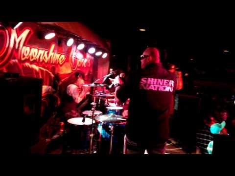 Full Throttle by (Mud Digger)  performed by Moonshine Bandits (Live)