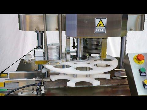 Cans sealing machine 50cpm can seamer in SinoPack Show 2017 Exhibición de máquinas de embalaje