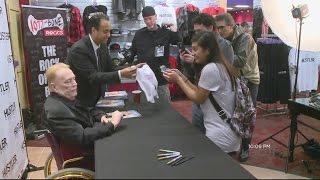Larry Flynt Kicks Off 'Hollywood Hustler' Grand Opening In San Jose