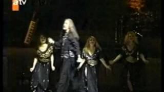Barış Manço Japonya Konseri Bölüm 6 - KOLBASTI (DERE BOYU KAVAKLAR)