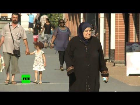 Иммигранты чувствуют себя во Франции как в феодальном мире