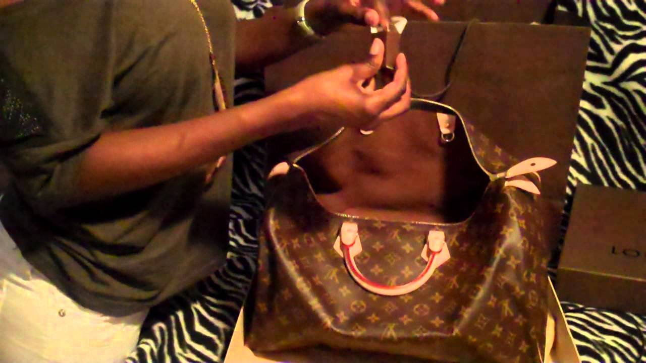 b60fdc2cfe6f Unboxing Louis Vuitton Speedy 40 Monogram - YouTube