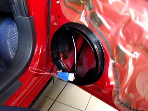 Instalacion de base de bocina para SX4 Crossover 2010 de ...