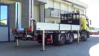 Iveco Stralis 3 assi - Pianale ribassato con rampe e ribaltabile con gru Palfinger intercambiabili