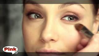 Макияж Анжелины Джоли от журнала Pink