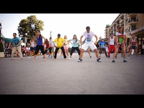 Танцевальный флешмоб под дабстеп в Болгарии школа Дракона