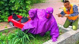 A LOT OF Balloons in Car VS Mr. Joe w/ Seigneur Orange & Purple Fat Man on Ferrari in Ditch for Kids