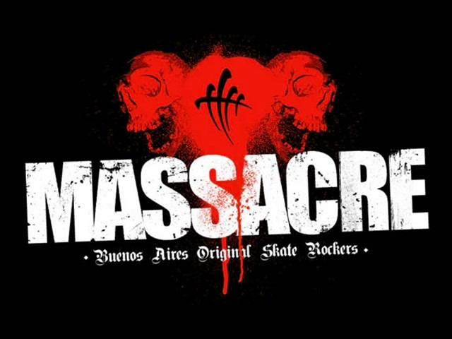 massacre-estallando-desde-el-oceano-sumo-defensores-de-la-verga