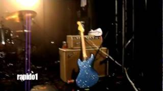 Little Barrie @ La Flèche d'or, Paris 18/11/11 with a lonesome trai...
