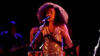 Watch Corinne Bailey Rae Loves On Its Way video