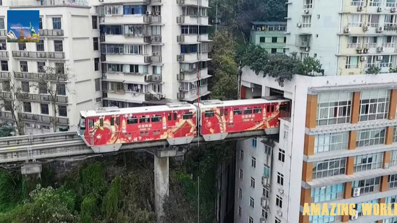 Chinese train that goes THROUGH a block of flats : Astonishing ...Chinese train that goes THROUGH a block of flats : Astonishing video :  Chongqing Mountain City