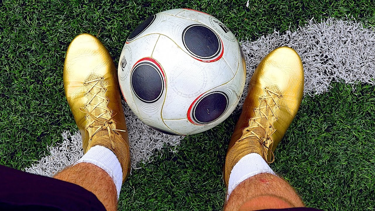 TESTING GOLD Cristiano Ronaldo Boots: Spray Painted Nike Mercurial Superfly  Play Test by iFootballHD - YouTube