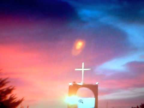 ANGEL OF GOD  SEEN IN SKY!  PROOF THE MESSIAH IS COMING SOON!