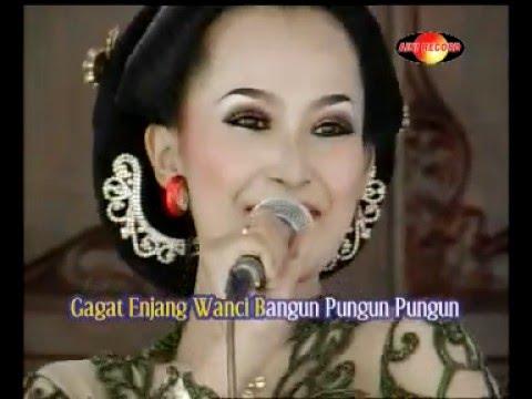 Gagat Enjang , Indri cs.Sangkuriang