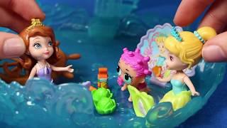👑 PRINCESA SOFIA 👑 Princesa Sofía enseña a nadar a muñeca LOL   Princesa Sofia Juguetes en Español