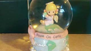 "Enesco Precious Moments Musical Snowglobe Waterglobe ""Joy To The World"" Peace On Earth"