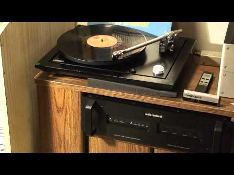 Rega P25 plays Popcorn  Hot Butter on vinyl