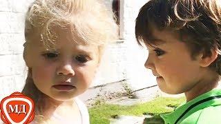 ДЕТИ ПУГАЧЕВОЙ И ГАЛКИНА: Лиза и Гарри собирают землянику! Новое видео - Июль 2017!