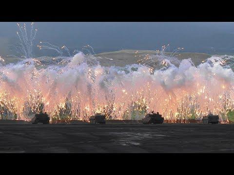 """[報道エリアで撮影] 平成29年度 富士総合火力演習 後段演習 / Japan Ground Self-Defense Force """"FIRE POWER 2017 in FUJI"""""""