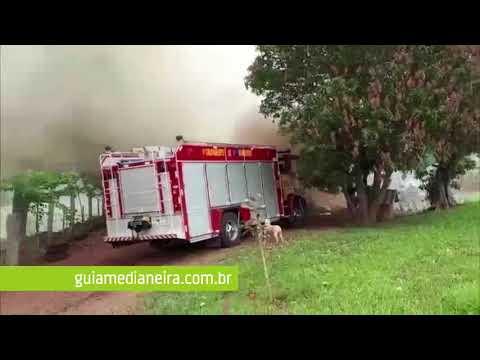 Medianeira: Casa fica parcialmente destruída em incêndio na Linha Sol e Ouro