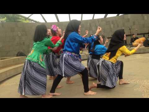 Kaulinan tradisional barudak Sunda