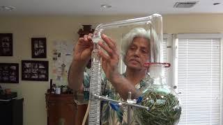 Evde Damıtma Kullanarak Uçucu Yağlar Yapmak İçin nasıl Biberiye yağı gösterilir