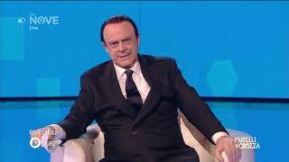 Crozza Berlusconi, confuso e assonnato