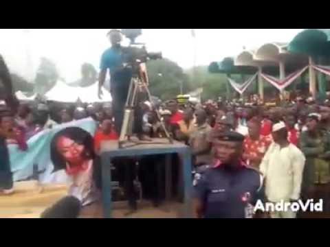 OMG! See what Enugu People did to Buhari (VIDEO)