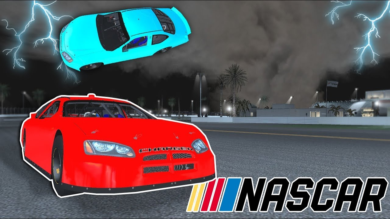 EF5 TORNADO STRIKES DURING A NASCAR RACE! - Garry's Mod Gameplay - Gmod  Tornado Survival