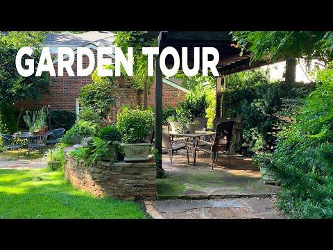 GARDEN TOUR: Family Friendly Backyard Landscaping Ideas | Linda Vater