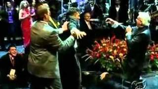Benny Hinn - Increíble demostración del poder de DIOS