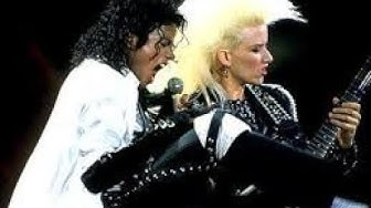 "Jennifer Batten Solo Beat It Michae Jackson ""before and after"""