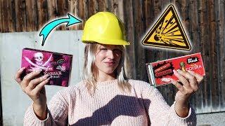 Wie hoch fliegt der Bauarbeiter Helm? | Böller Vergleich XXL! Silvester Vorfreude 2019!