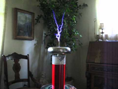 My Vacuum Tube Tesla Coil with an Eimac 304TL jumpered in ...