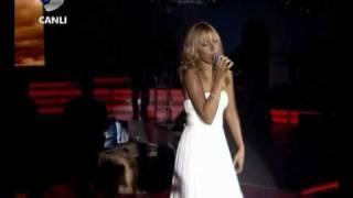 Hadise - I Will Always Love You      Beyaz Show     Resimi