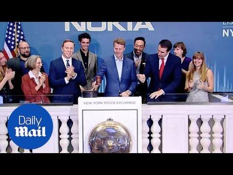 Wall Street continues sharp fall as stocks drop across the board