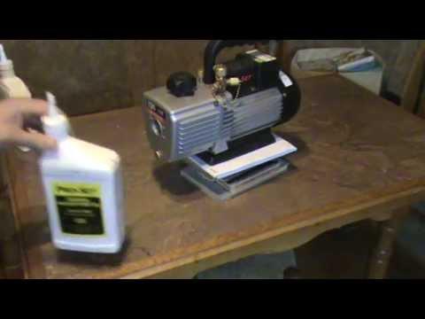 Замена масла в вакуумном насосе