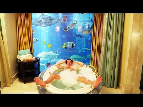 24 HOURS IN AN UNDERWATER HOTEL ROOM *£5,000 A NIGHT!*