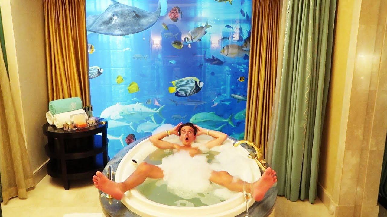24 HOURS IN AN UNDERWATER HOTEL ROOM *£5,000 A NIGHT