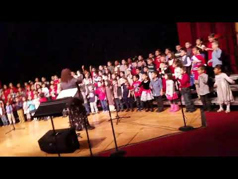 Christmas concert in Beverly skoff Elementary school.(2)
