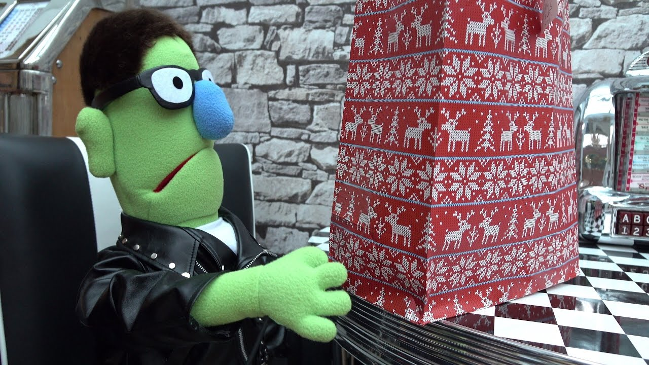 Techmoan's Christmas Special 2016 - Warning - It's a 100% muppet video. If you don't like the puppet outro segments there's nothing to see here...but have a Merry Christmas all the same.