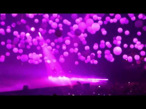 HD Drake - HOTLINE BLING [PARIS BERCY] Boy Meets...