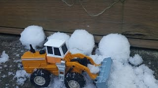 Сделали снег сами, Опыт создания снега из памперсов. Snow creation at home from diapers